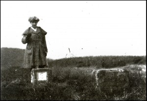Barbara_Wace_on_a_Saar_Boundary_post_circa_1922