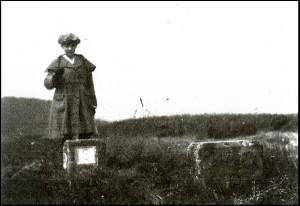 Barbara_Wace_on_a_Saar_Boundary_post_circa_1922