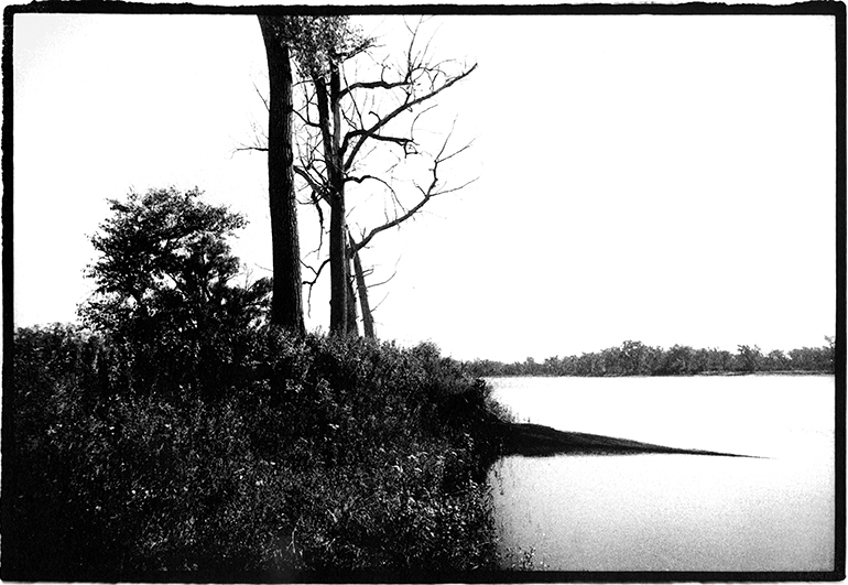 Part of the 'West of the Sun' series. B&W analogue landscape photography by Toby Deveson. Taken with a Nikkormat, a 24mm lens, Kodak TMax 400 & Fomatone 532. January 2001